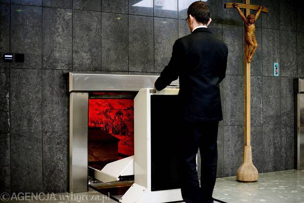 Z wizytą w krematorium. Dlaczego zyskują na popularności?