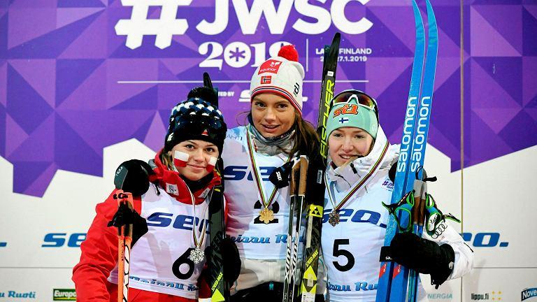Monika Skinder (Polska), Kristine Stavaas Skistad (Norwegia) i Anita Korva (Finlandia) - medalistki MŚ juniorek w sprincie stylem klasycznym w Lahti 2019