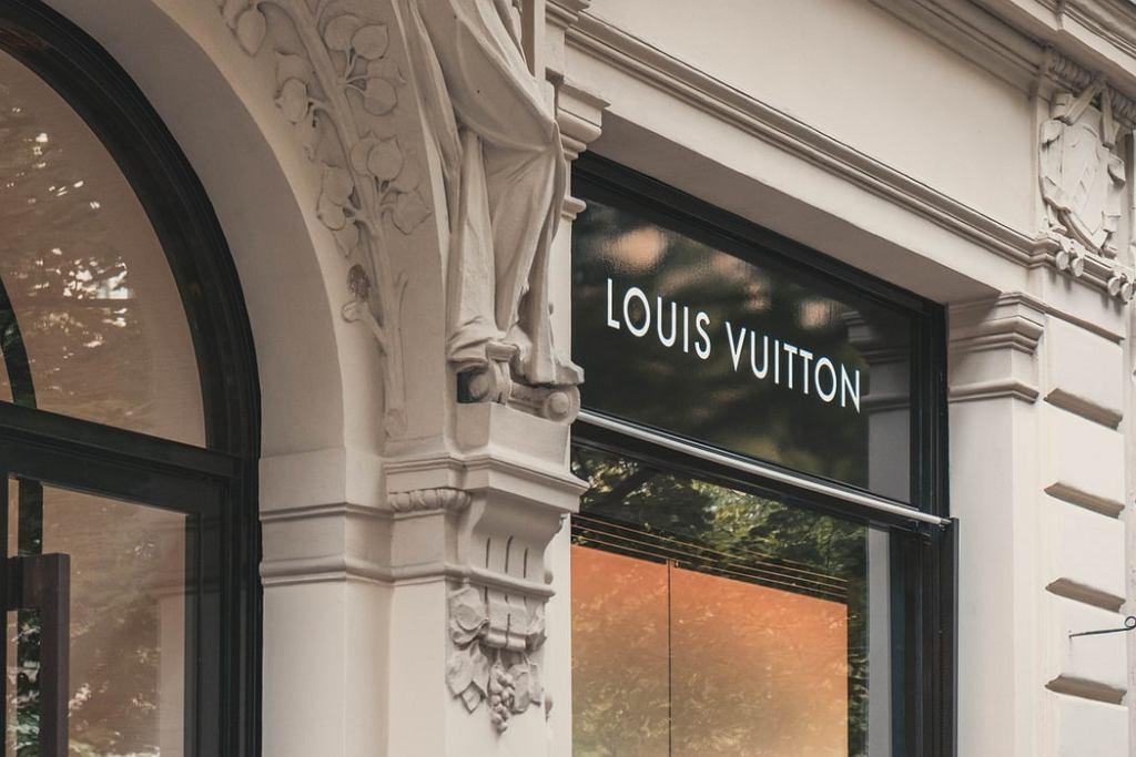 Właściciel Louis Vuitton kupił kultową markę Tiffany&Co.