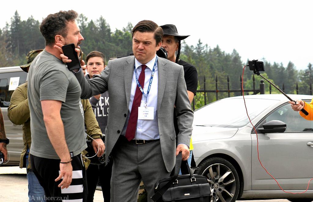 Wojciech Andrusiewicz zaatakowany przez antyszczepionkowców