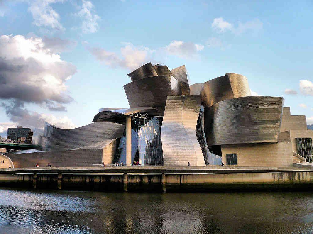 Muzeum Guggenheima w Bilbao / Wikimedia Commons