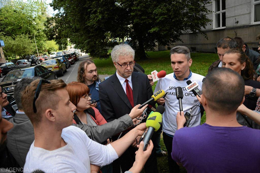 Łukasz Puchalski, nowy szef ZDM (w białej koszulce) na konferencji inaugurującej jego kierowanie tą instytucją
