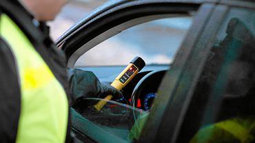Kontrola drogowa (zdjęcie ilustracyjne)