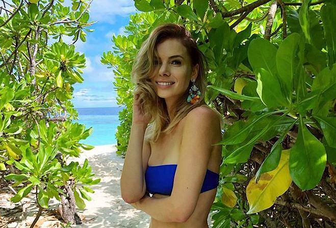 Izabela Janachowska pozuje w bikini