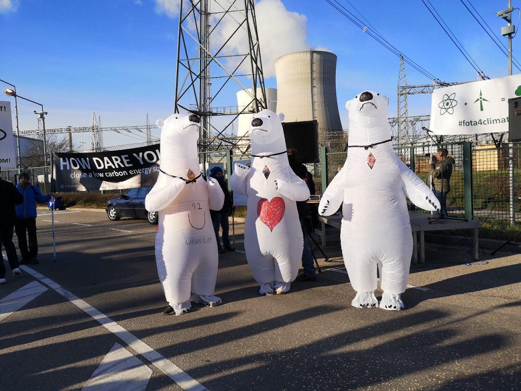 Protest aktywistów w Philippsburgu przeciwko zamykaniu elektrowni jądrowej.