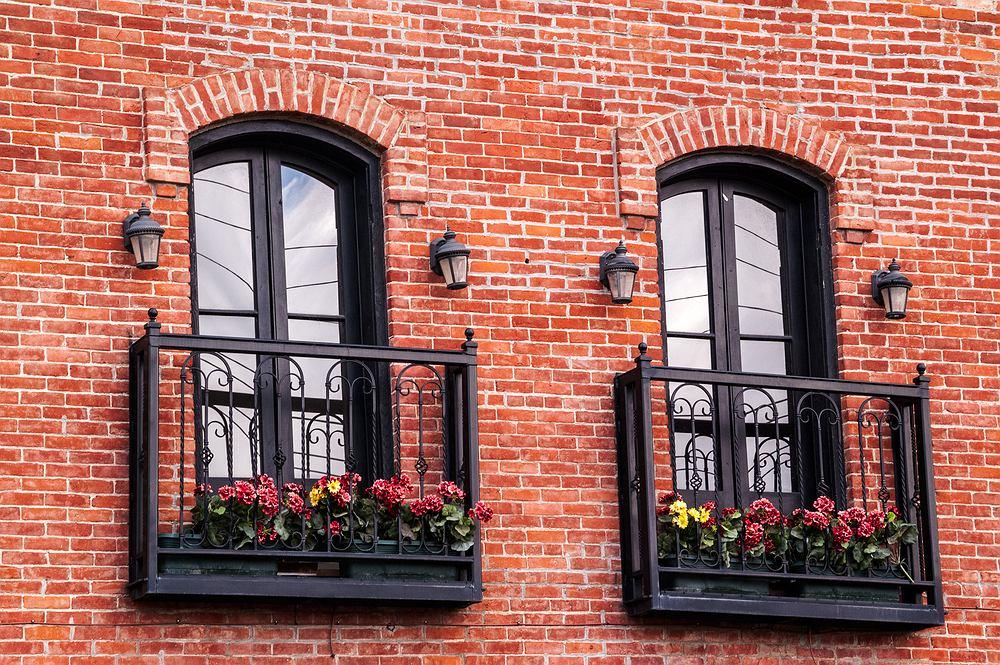 Balkon francuski: co to jest? Aranżacje, pomysły, inspiracje. Zdjęcie ilustracyjne
