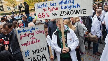 Protest lekarzy pod KPRM