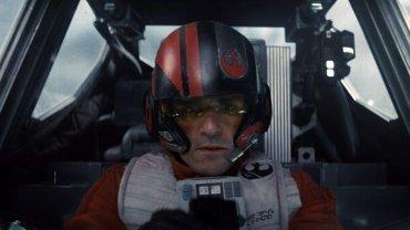 """Oscar Isaac jako Poe Dameron w """"Gwiezdnych wojnach: Przebudzeniu Mocy"""""""