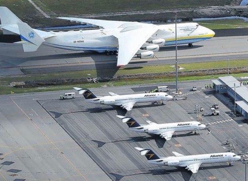 Rząd chwali się bezprecedensowym sukcesem. An-225 Mriya przywiózł 100 ton środków