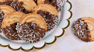 Ciastka orzechowe z czekoladą