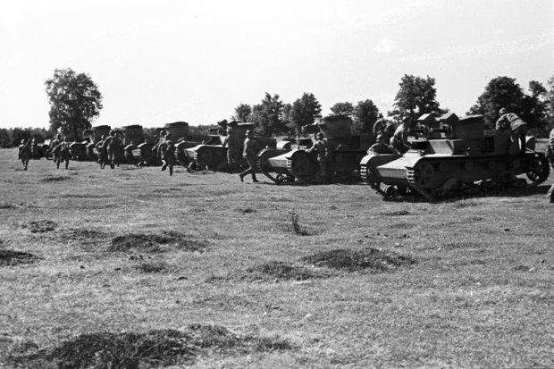 Zdjęcie numer 6 w galerii - Wyjątkowe zdjęcia. Manewry wojska polskiego latem 1939 r.