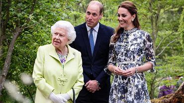 Królowa Elżbieta II przygotowuje księcia Williama do bycia królem. 'Uznał, że nadeszła pora' (zdjęcie ilustracyjne)
