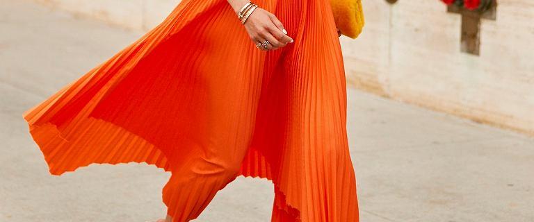 Modne spódnice plisowane midi lub maxi. Wybieramy perełki na lato