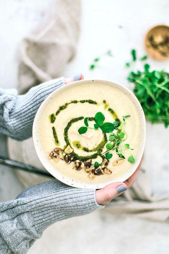 Zupa-krem z pora jest sycąca i bardzo zdrowa