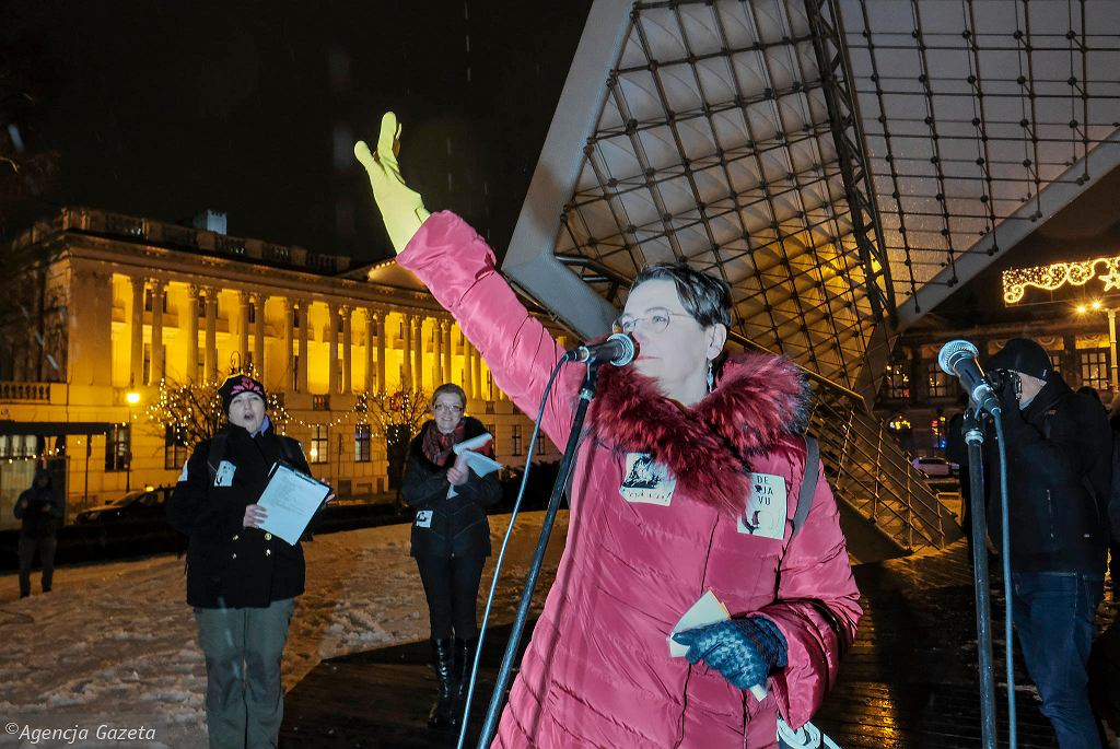 Joanna Jaśkowiak podczas protestu Ogólnopolskiego Strajku Kobiet w środę 17.01.2017