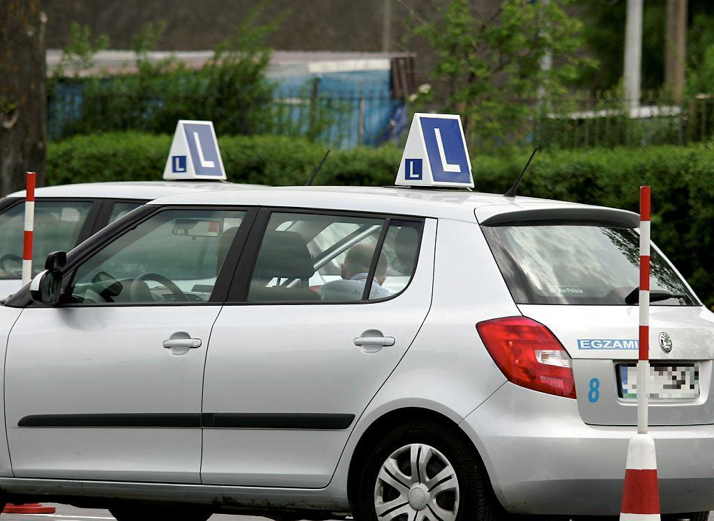 Egzamin na prawo jazdy. Zdjęcie ilustracyjne