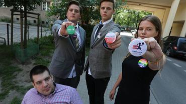 Licealiści niewpuszczeni do Sejmu przez plakietki