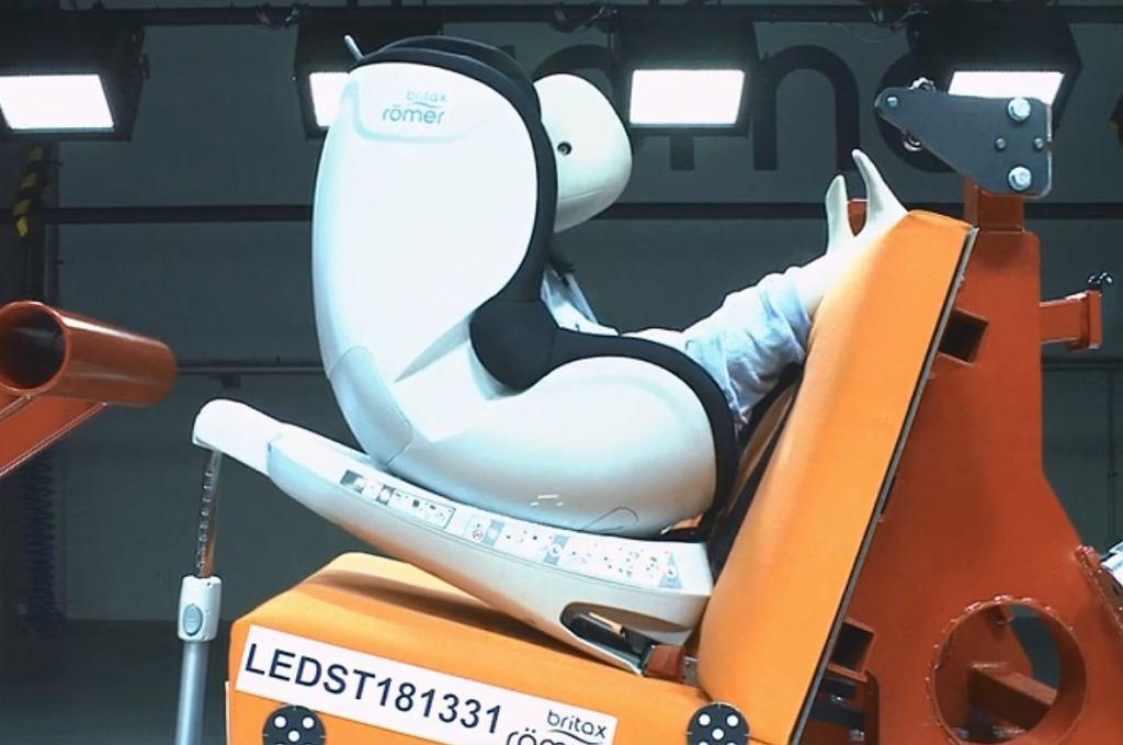 Wszystkie foteliki samochodowe Britax Romer poddawane są surowym testom.