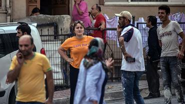 Stanbul, 26 września 2019. Mieszkańcy ewakuowani ze swoich domów po trzęsieniu ziemi