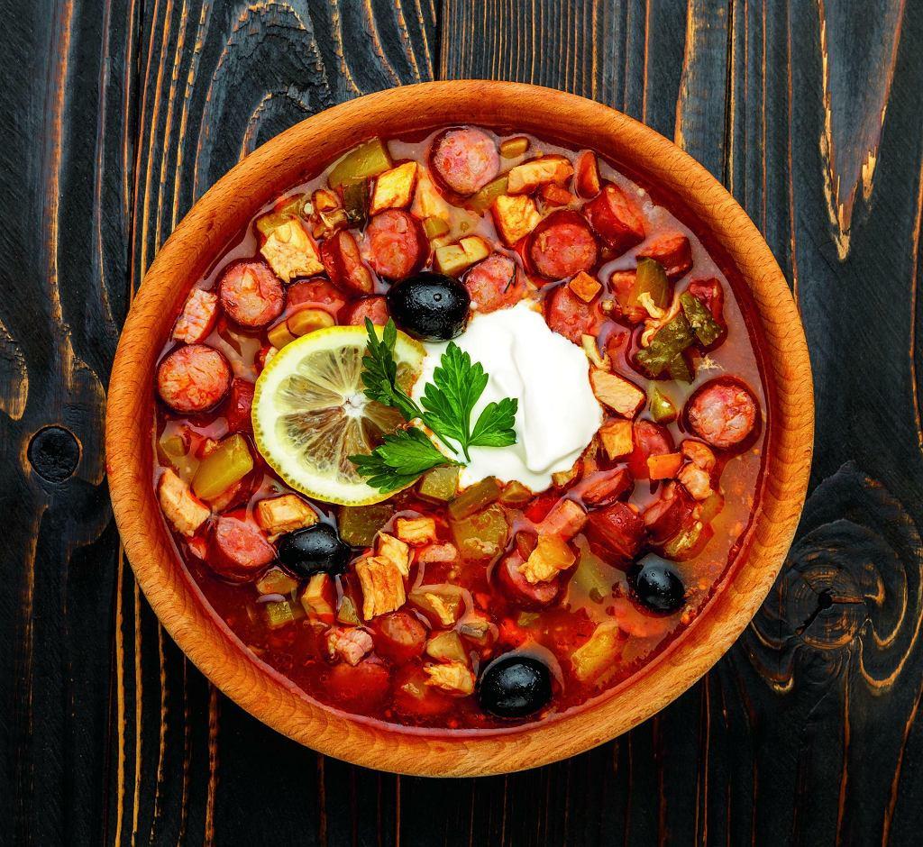 Solanka z kiszonymi ogórkami - rosyjska tradycyjna zupa