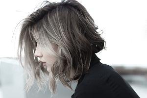 Krótkie fryzury na sylwestra 2019/2020. Jakie cięcia będą modne dla krótkich włosów i komu pasują? Podpowiadamy