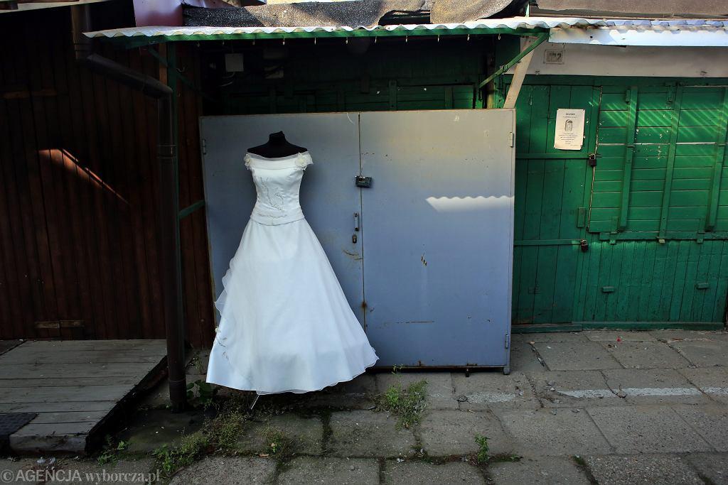 'Ślub jest i wesoły i smutny jednocześnie. Jest to pożegnanie i powitanie'