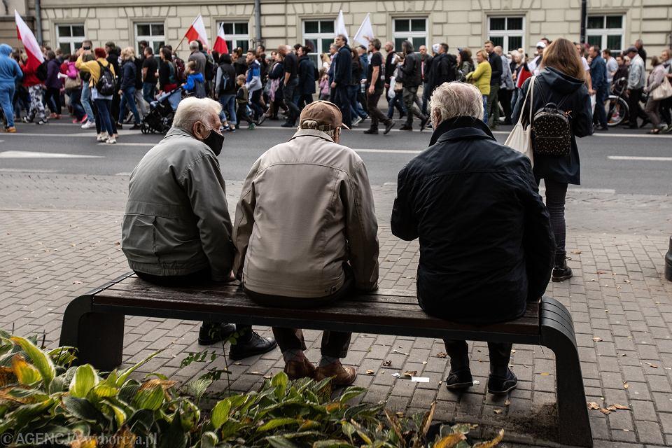10.10.2020, Lublin, marsz ludzi niewierzącym w pandemię koronawirusa.