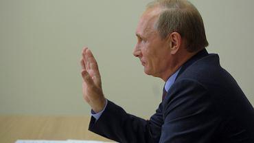 Władimir Putin podczas wideokonferencji z załogą arktycznej platformy wiertniczej West Alpha w Sochi