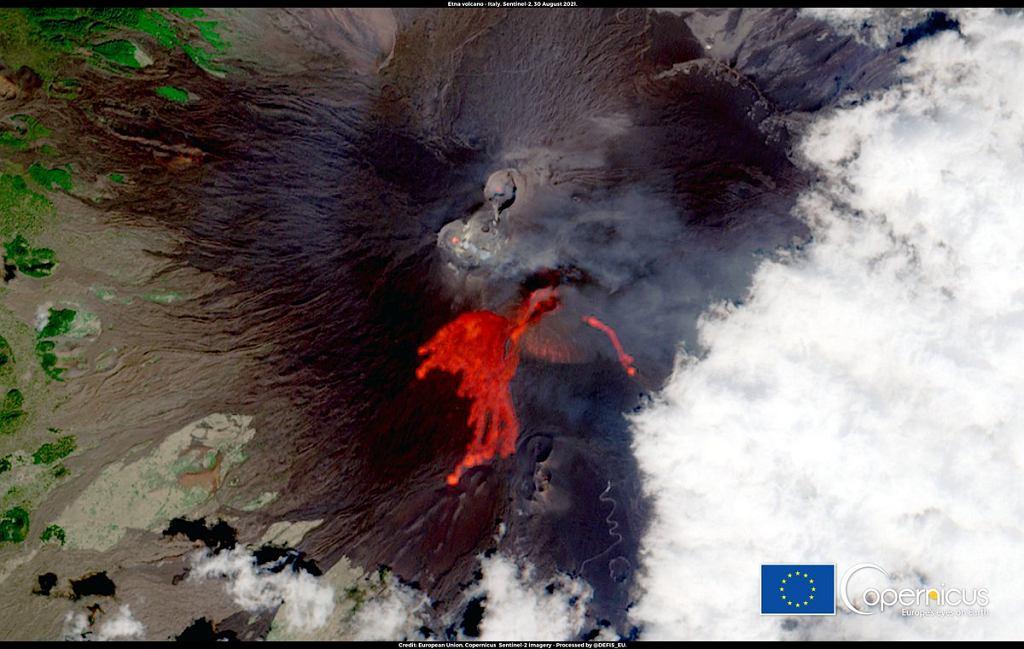 Wybuch wulkanu Etna uchwycony przez satelitę