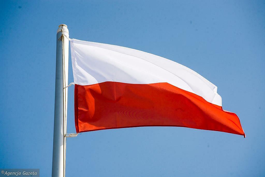Flaga Polski (zdjęcie ilustracyjne)