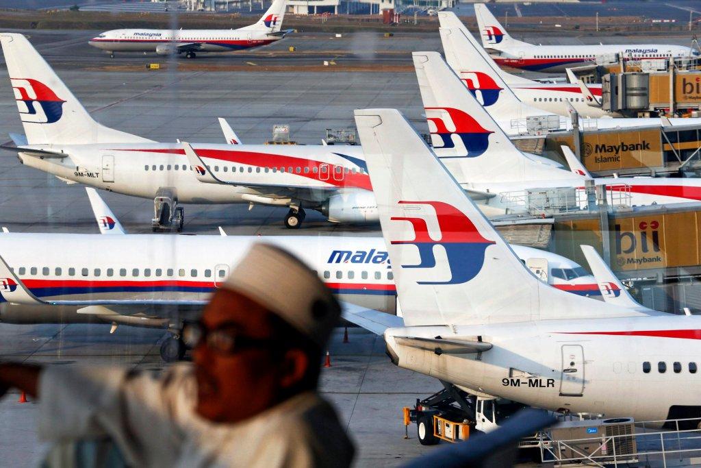 Samoloty Malaysia Airlines na lotnisku w Kuala Lumpur