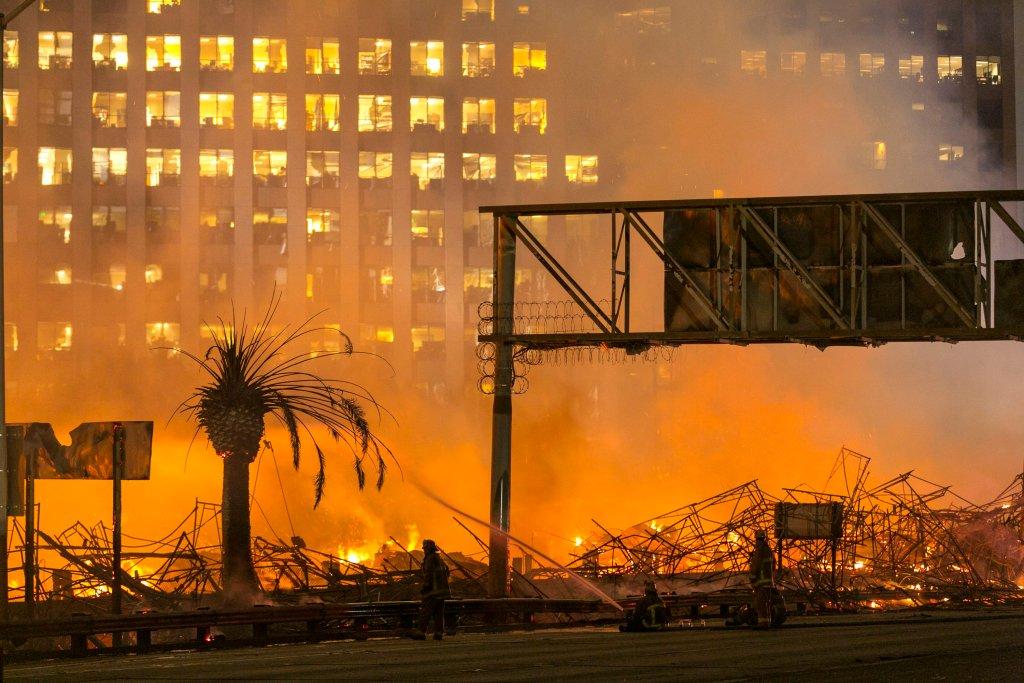 Pożar apartamentów w Los Angeles