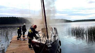 Po kłótni rozzłoszczony mąż podpalił jacht należący do jego byłej żony (gmina Iława)