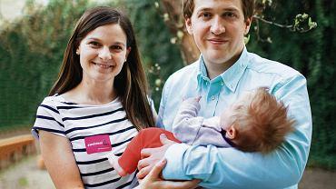 Paulina i Marcin Bruszewscy z córką