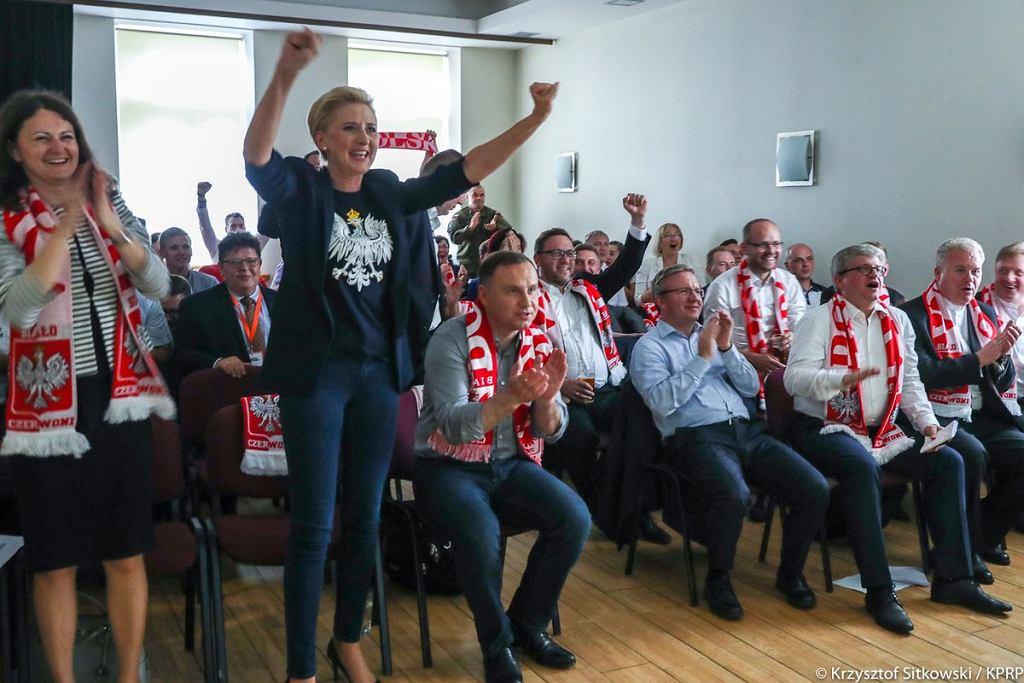 Mundial 2018. Polska - Japonia. Agata Duda i Andrzej Duda kibicują