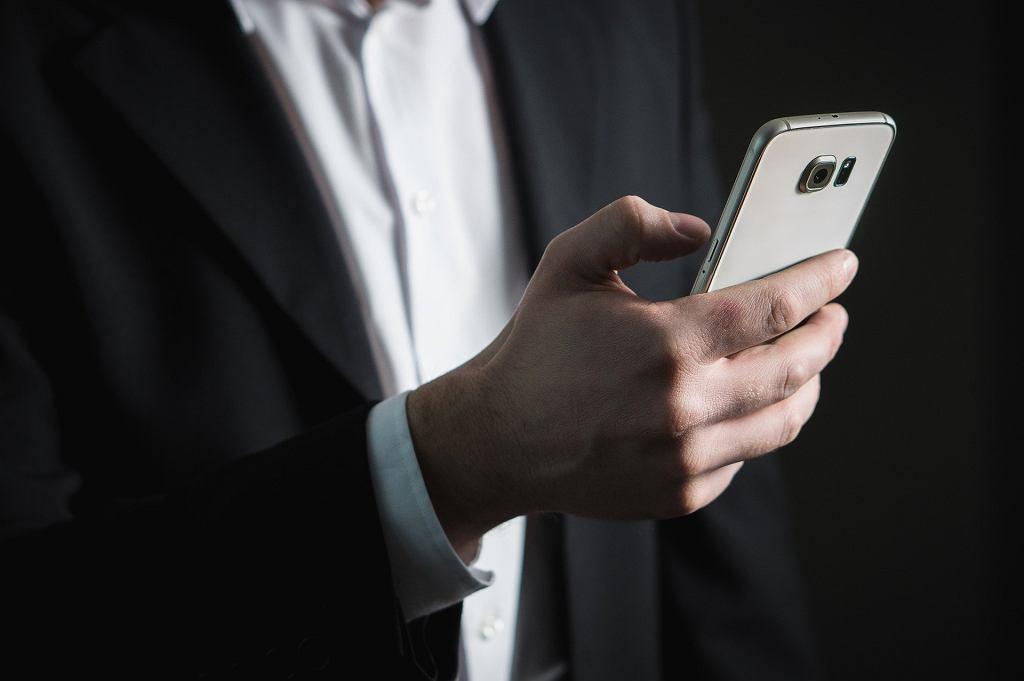 Izba Administracji Skarbowej ostrzega przed fałszywymi SMS-ami