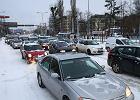 W Polsce nowe auta tylko dla bogaczy. Dramatyczne nierówności na rynku