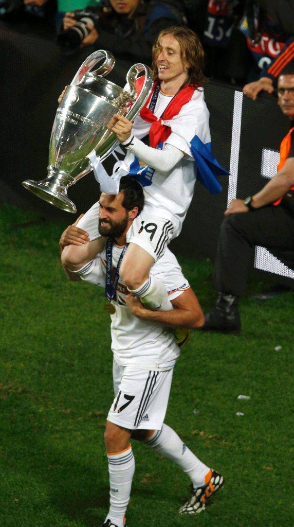 Luka Modrić z Pucharem Europy