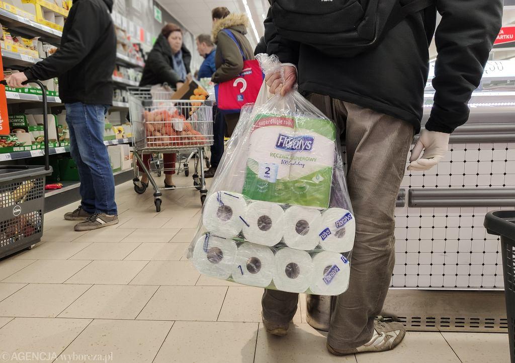 Koronawirus w Polsce. Zakupy w czasach kwarantanny
