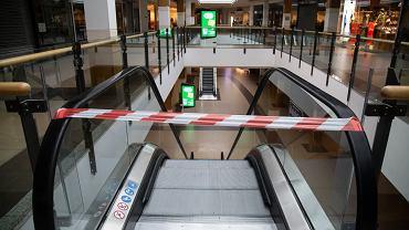 Lockdown w całej Polsce. Z powodu koronawirusa zamknięto lub bardzo mocno ograniczono działalność m.in. galerii handlowych