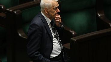 Poseł Kornel Morawiecki na sali plenarnej Sejmu. Warszawa, 13 maja 2016