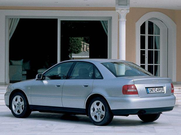 """Audi A4 B5 vs. BMW E36. W świetnej cenie. Ale czy formie? """"Niektóre to inwestycja"""""""