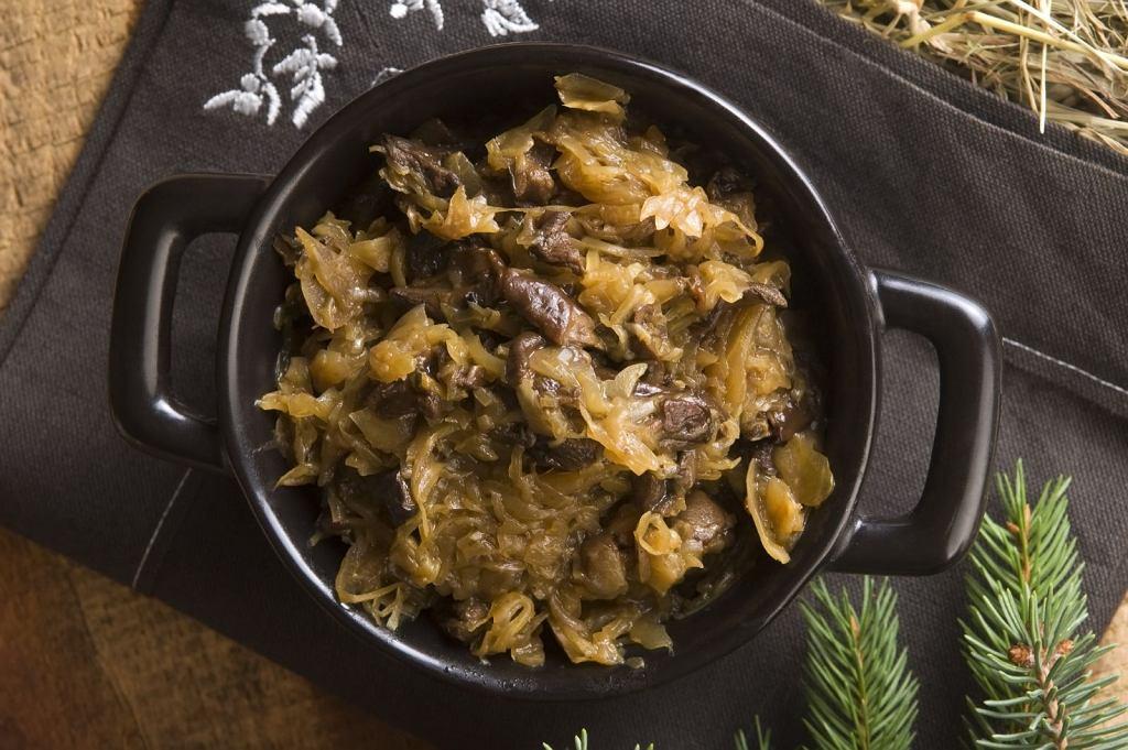 Kapusta z grzybami na Wigilię. Przepis na tradycyjne postne danie