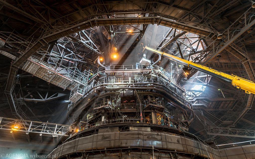 Dzięki wartemu 85 mln zł remontowi wielki piec nr 2 w dawnej Hucie Katowice będzie mógł pracować przez co najmniej 3 następne lata. Będzie już wtedy wiadomo, czy produkcja stali w Dąbrowie Górniczej jeszcze się opłaca