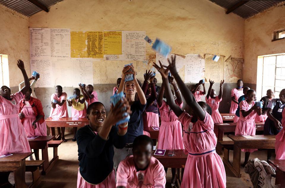 Zajęcia ze zdrowia i higieny menstruacyjnej organizowane  przez Irise w szkole w miejscowości Kakira