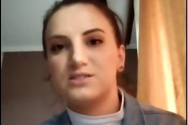 """Jolka Rosiek dała się poznać szerszej publiczności jako fanka Andrzeja Dudy, która twierdzi, że z prezydentem łączy ją silne uczucie. Tym razem poszła o krok naprzód. Udostępniła zdjęcia przypominające kadry z """"sex taśmy""""."""