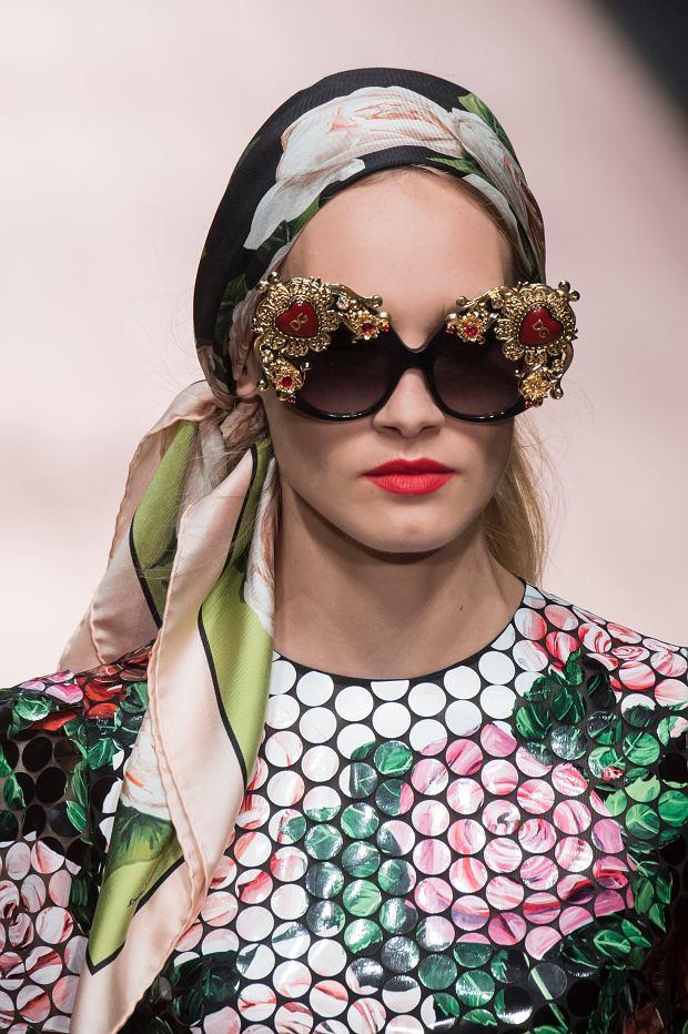 Chusta na głowę - jak nosić ją latem? Dolce&Gabbana wiosna-lato 2019