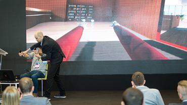 dr Marcin Czub podczas prezentacji w trakcie European VR Congress