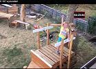 Tata zrobił podwórkowy tor przeszkód dla 5-latki. Jego pomysł to nic przy jej sprawności [WIDEO]
