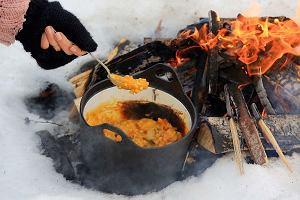 Ryż, dynia, ziemniaki iwędzona śliwka zogniska